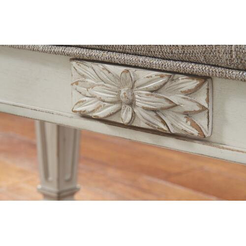 Signature Design By Ashley - Realyn Accent Bench