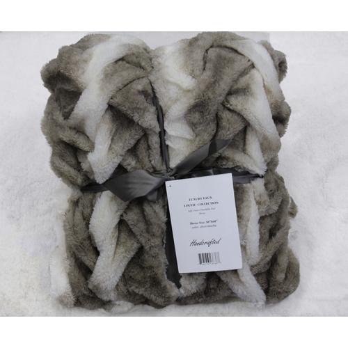 "Rug Factory Plus - Soft Heavy Faux Fur Loufie Throw by Rug Factory Plus - 50' x 60"" / Black"