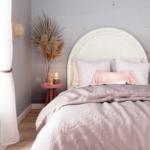 Gumdrop Cream Velvet Bed in Queen