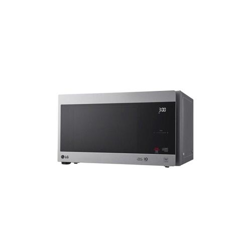 0.9 cu. ft. NeoChef™ Countertop Microwave with Smart Inverter and EasyClean®