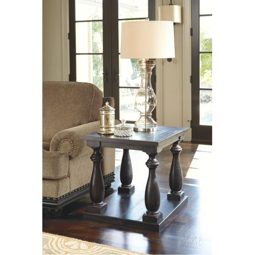 Mallacar End Table
