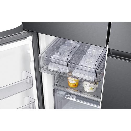 Product Image - 29 cu. ft. Smart 4-Door Flex™ refrigerator with Family Hub™ and Beverage Center in Black Stainless Steel