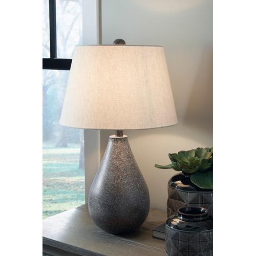 Signature Design By Ashley - Bateman Table Lamp