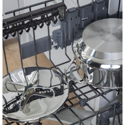 Café Stainless Steel Interior Dishwasher with Sanitize and Ultra Wash & Dry