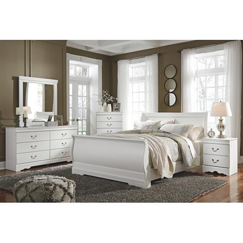 King Sleigh Bed With Mirrored Dresser and 2 Nightstands
