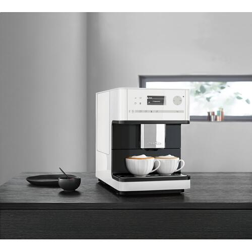 CM 6150 - Countertop coffee machine with OneTouch for Two for the ultimate coffee enjoyment.