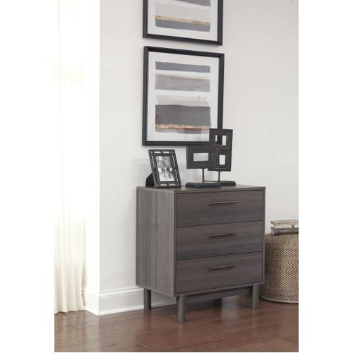 Queen Platform Bed With Dresser and Chest