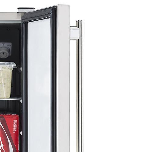 Maxx Ice Outdoor Undercounter Beverage Refrigerator (3 cu. ft.)