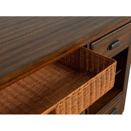 Magnussen Home - Console