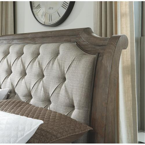 Wyndahl Queen Upholstered Panel Bed