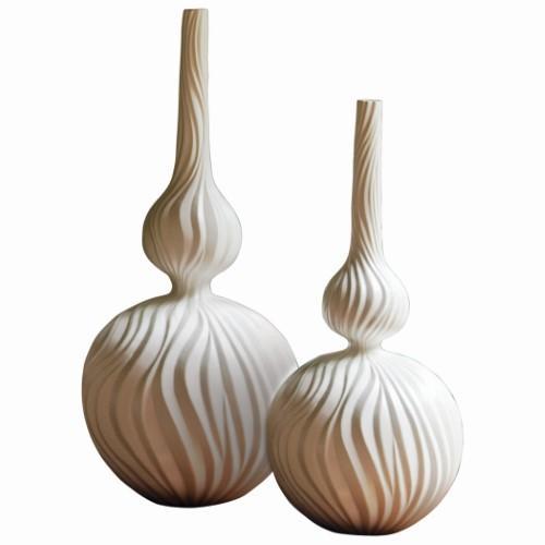 Magura Vase-Snow-Med