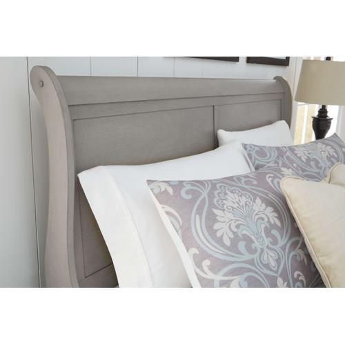 Kordasky Queen Sleigh Bed