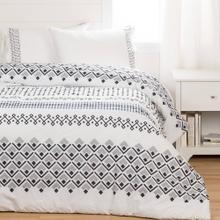 Printed Comforter with pillow shams - White