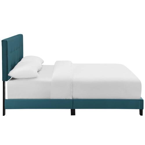Amira Full Performance Velvet Bed in Sea Blue