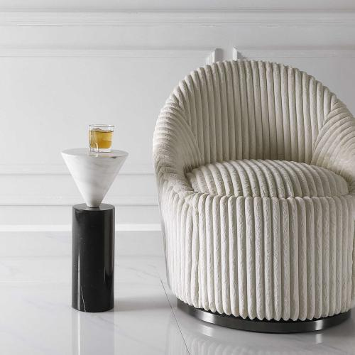 Top Hat Drink Table
