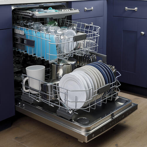 GE Appliances Canada - GE Stainless Steel Interior Dishwasher with Hidden Controls Stainless Steel - GDT665SSNSS
