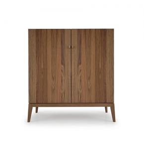 Guest dresser