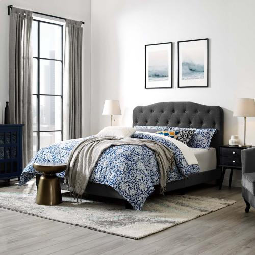 Amelia Queen Upholstered Fabric Bed in Gray