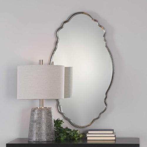 Uttermost - Samia Mirror