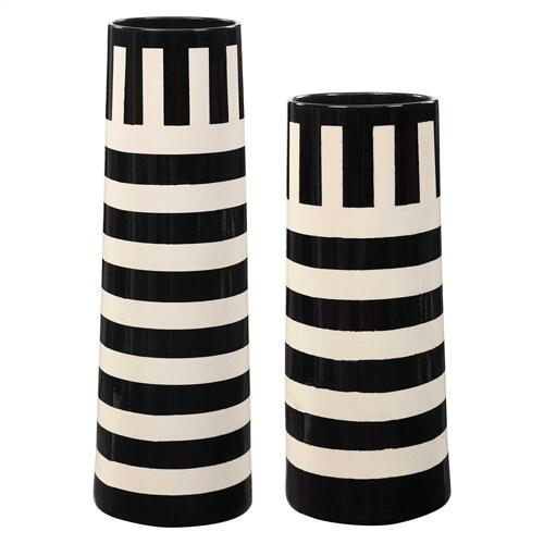 Amhara Vases, S/2