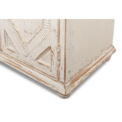 Four Diamonds Sideboard, Ant. White