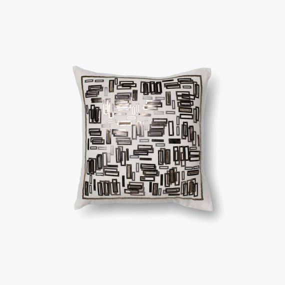 P0196 White / Gold Pillow