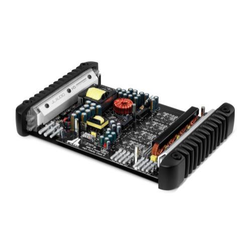 4 Ch. Class D Full-Range Amplifier, 600 W