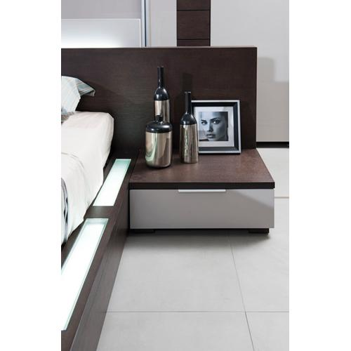 Modrest Gamma Contemporary Brown Oak Bed with Storage