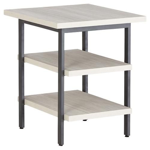 Bayflynn End Table (set of 2)
