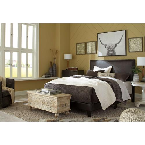 Signature Design By Ashley - Mesling Queen Upholstered Bed