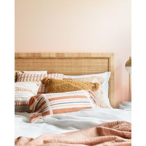 T1037 MH Blush Throw
