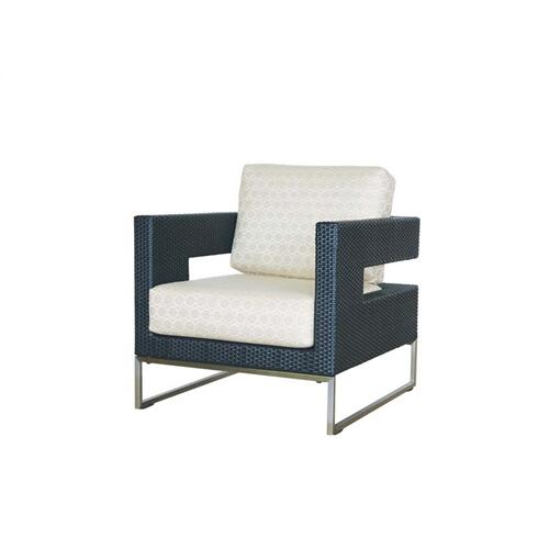 Vilano Club Chair