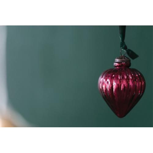 """3.25"""" x 4.25"""" Suite Ornament (Pendant Option)"""