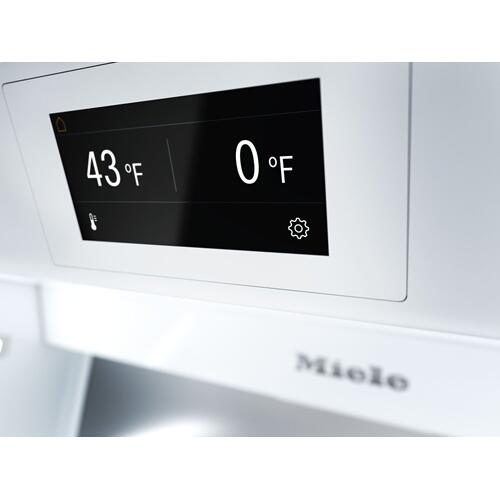 F 2471 SF - MasterCool™ freezer Integrated IceMaker features separate water and ice dispensers.