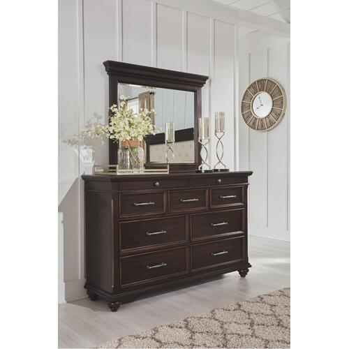 Brynhurst Dresser and Mirror