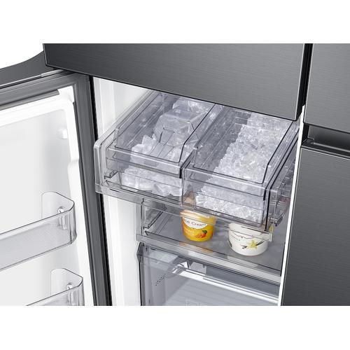29 cu. ft. Smart 4-Door Flex™ refrigerator with AutoFill Water Pitcher and Dual Ice Maker in Black Stainless Steel