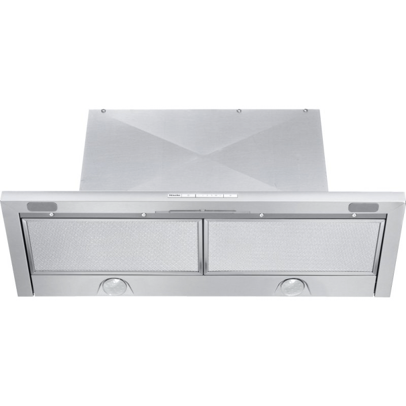 DA 3486 - Built-in ventilation hood with energy-efficient LED lighting and backlit controls for easy use.