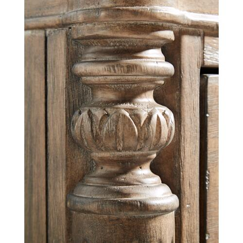 A.R.T. Furniture - Architrave Bachelors Chest