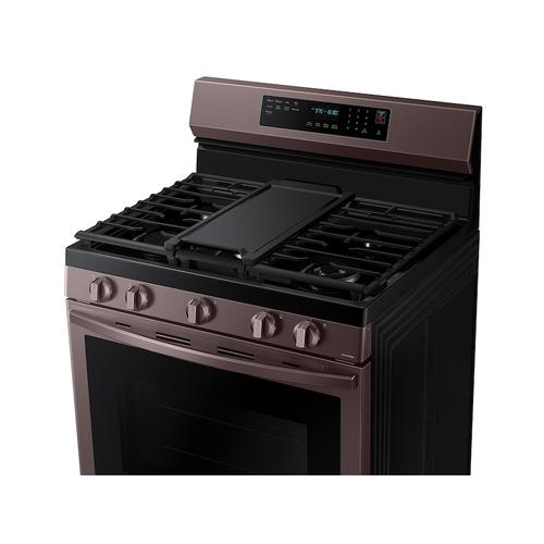 Samsung - 6.0 cu. ft. Smart Freestanding Gas Range with No-Preheat Air Fry, Convection+ & Stainless Cooktop in Tuscan Stainless Steel
