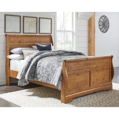 Queen Sleigh Bed With Dresser