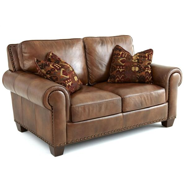 Silverado Loveseat w/ Two Accent Pillows