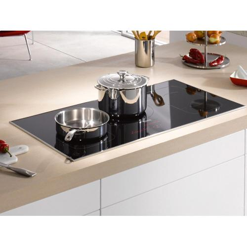 KM 6377 Induction Cooktop in maximum width for the best possible cooking and user convenience.