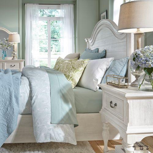 Liberty Furniture Industries - California King Panel Bed