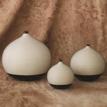 Pixelated Ball Vase-Black/Brown-Med
