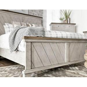 Bear Creek Queen Bed