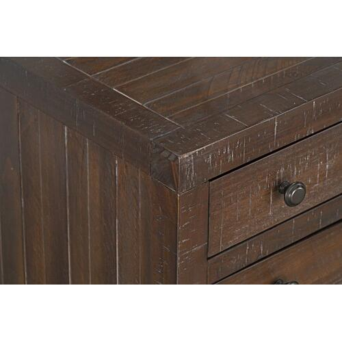 Edinburg 8-Drawer Dresser, Brown