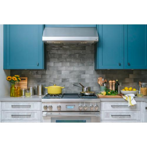 Thermador - Low-Profile Wall Hood 36'' Stainless Steel HMWB361WS