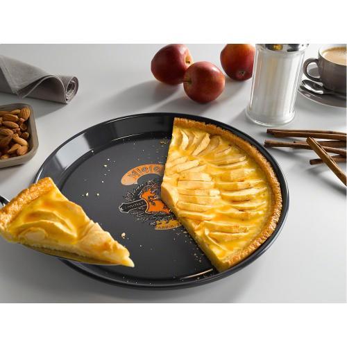 HBFL 27-1 Round baking tray - Nostalgic logo with PerfectClean finish.