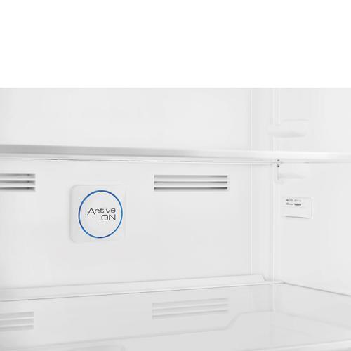 18 cu. ft. retro-style fridge, Black, Right-hand hinge