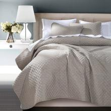 Anna Diamond Quilted Coverlet - 3 Colors (queen/king) - Super Queen / Taupe